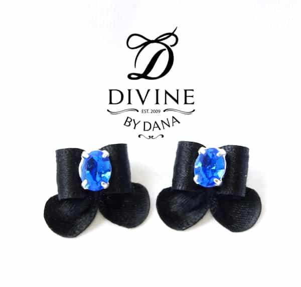 Elegant bows with a lovely large central stone